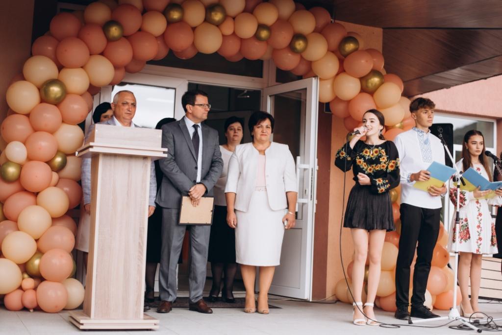 Анатолій Полосков привітав учнів Тячівщини з початком нового навчального року