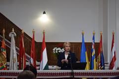 Зустріч на високому рівні заради дітей, які навчаються у школах з мовами навчання національних меншин